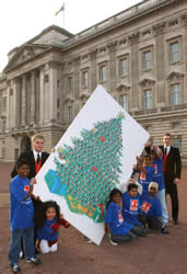 Giant Christmas Card Delivered to the Queen | PhotographyBLOG