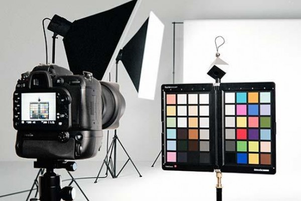 Win a Datacolor SpyderCHECKR and Get Picture Perfect Colour!