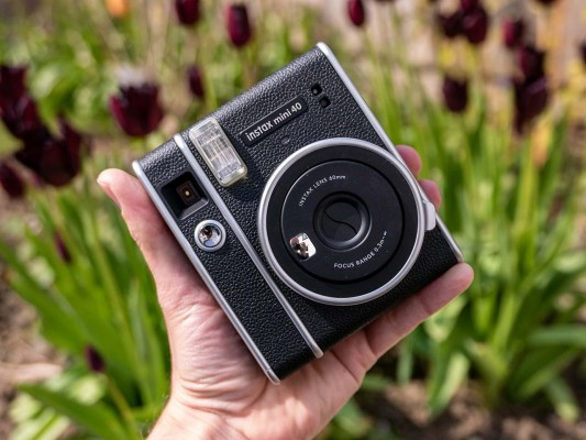 Fujifilm Instax Mini 40 Review