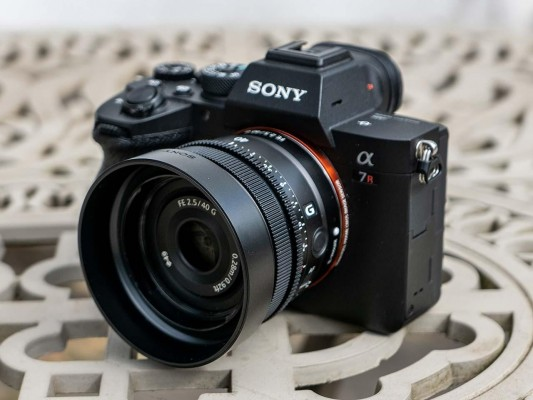 Sony FE 40mm F2.5 G Review