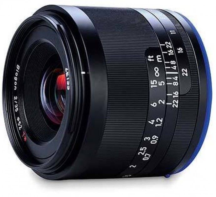 35 Reviews: Zeiss Loxia 35mm F/2 Biogon T* Review